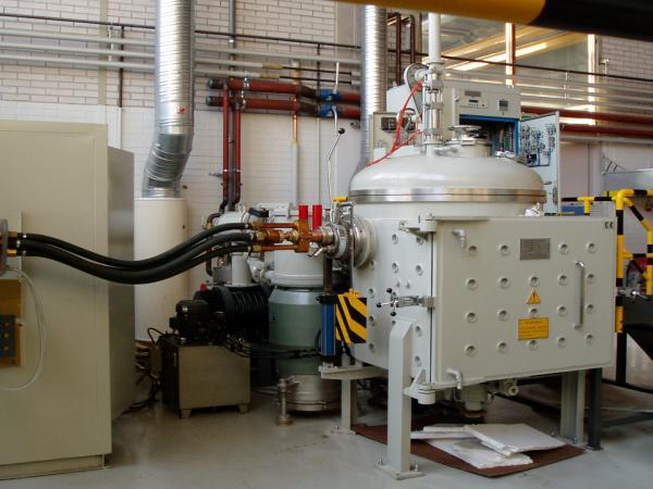 Vacuum Induction suspension Melting Furnace